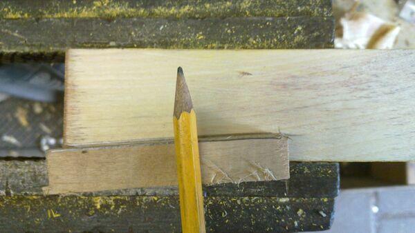 Making a wedge-sawing helper - 01