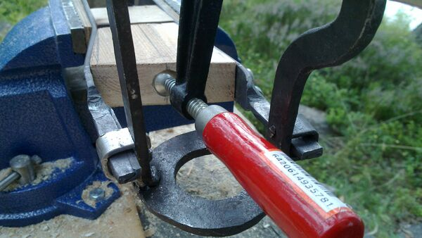 Fitting the little ladder tenons to field-frame pi-brackets - 05