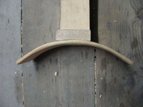 Crescent-shaped piece made from veneers - 01