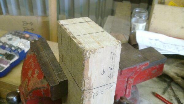 Assembling the little ladder - 01