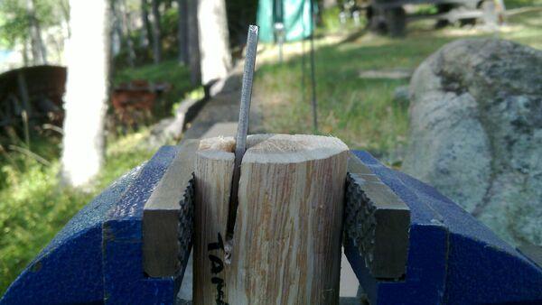 Bending pi-brackets using a wooden tool - 01