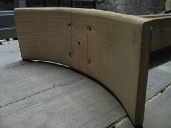 Crescent-shaped piece made from veneers - 02