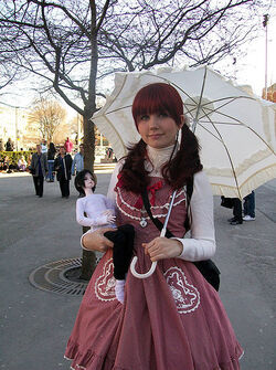 447px-Lolita fashion ball-jointed doll