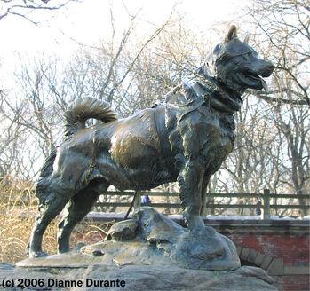 639px-Balto statue