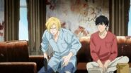 Ash tells Eiji get behind the bed