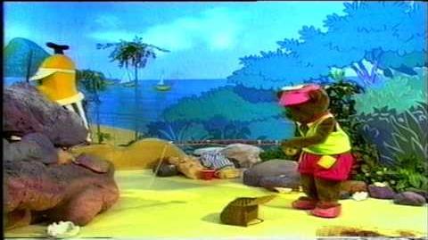 Bananas in Pyjamas Something Fishy (1992)