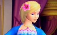 Rosella-barbie-princess-11155707-698-432