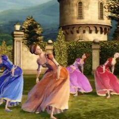 Ashlyn dansant avec Blair, Edeline et Courtney
