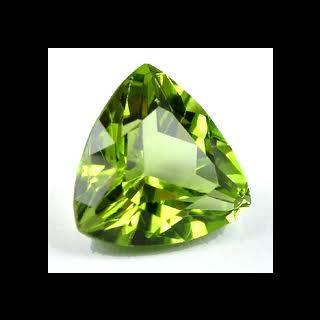 le péridot, la pierre précieuse préférée de Délia