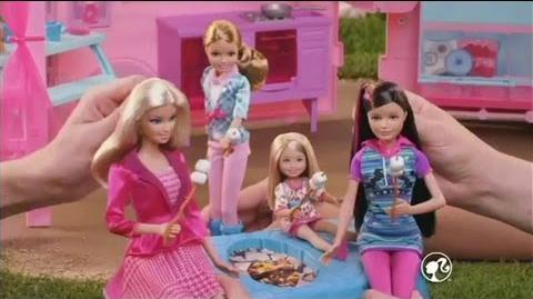 PUB Camping-car équestre Barbie et ses sœurs au club hippique