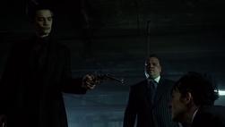 Theo se dispone a matar a Oswald