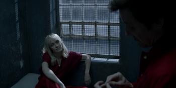 Batwoman - Alice y Elliot hacen un trato