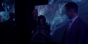 Batwoman - Sabatino subasta a Batwoman