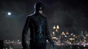 Bruce estrena su nuevo traje