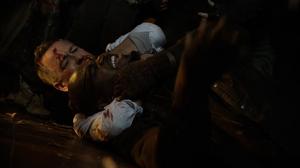 Alfred derrota a Cupcake