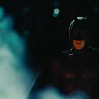 Batman le pide a Gordon que se prepare para la Guerra.