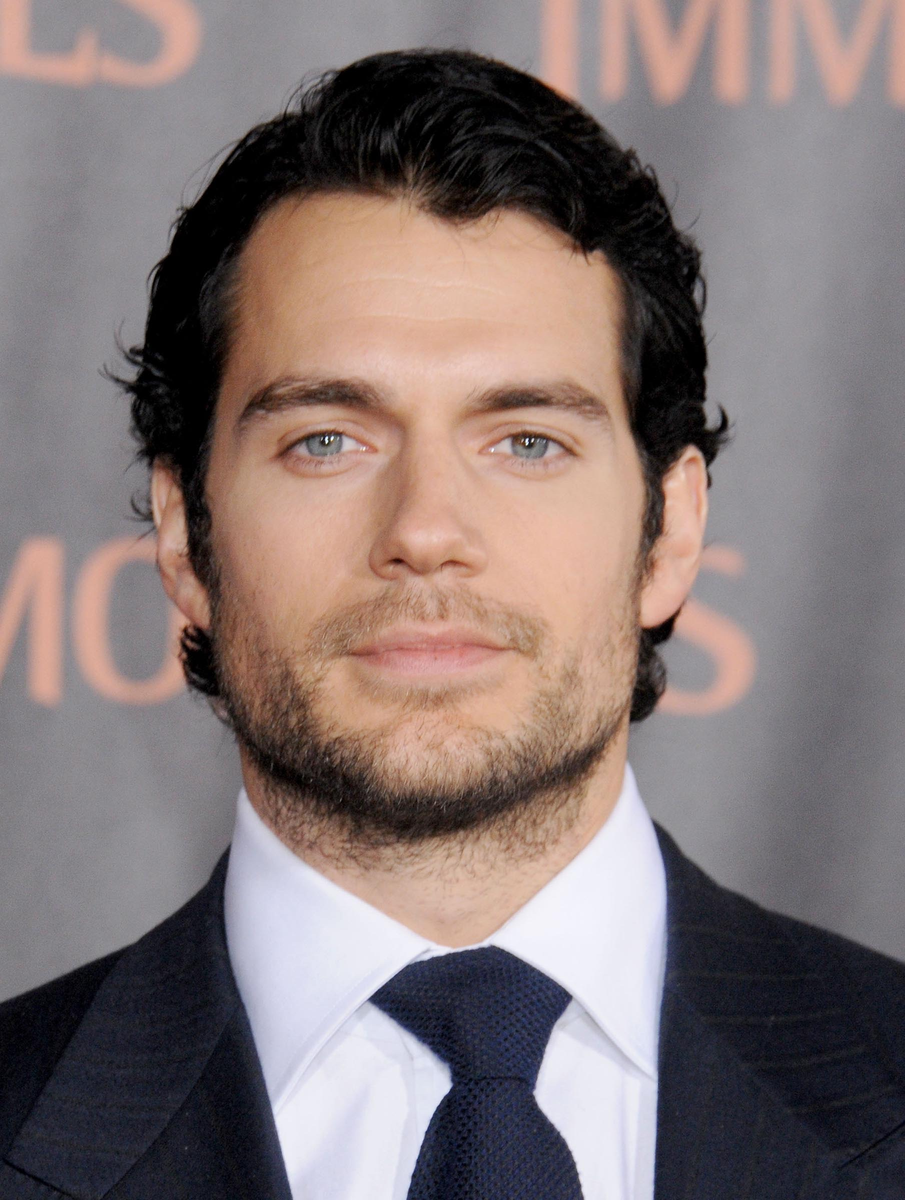 Henry Cavill Biography, Age, Wiki, Parents, Relationship