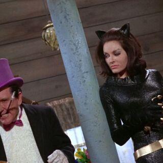Pingüino planea deshacerse de Batman y Robin