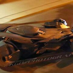 Batmóvil en el set de rodaje [7]