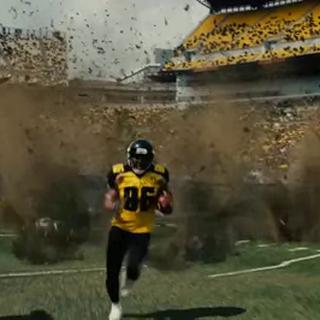 La bomba explota en medio del juego.