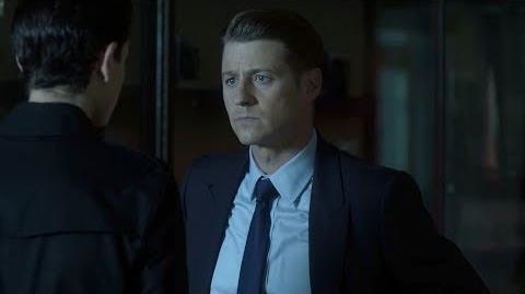 El Detective Gordon busca respuestas sobre el cuchilo