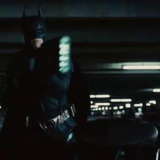 Batman persiguiendo a los fugitivos.