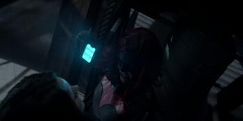 Batwoman - Batwoman incapacita a Nocturna