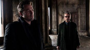 Alfred le pide a Bruce no pelear contra Superman
