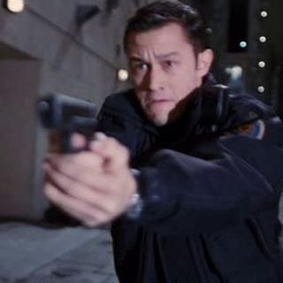 Blake persigue a los sospechosos.