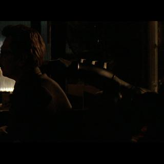 Jim Gordon es interrogado por el señor Wayne.