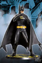 DCD BatmanMichaelKeatonStatue