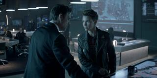 Batwoman - Jacob y Kate discuten