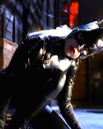 Catwoman Birds Of Prey Batman Wiki Fandom