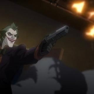 El Guasón dispara contra Batman