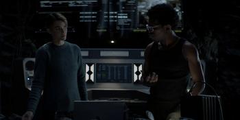 Batwoman - Kate y Luke investigan al Detonador