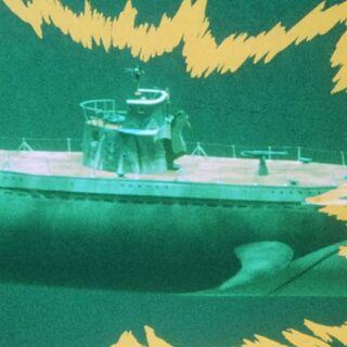 Bombardeo al submarino con Batcargas