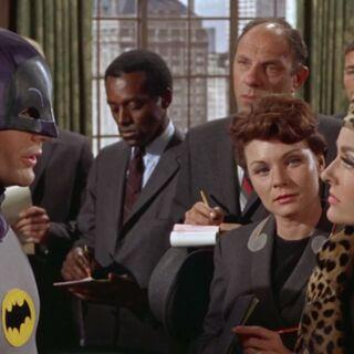 Batman explica que no se puede quitar la máscara