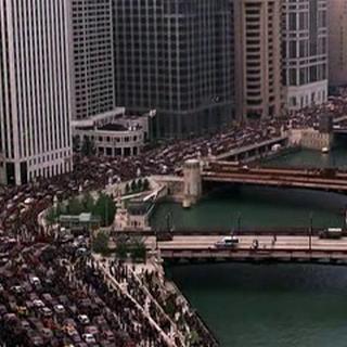 La gente de Gotham intenta huir.