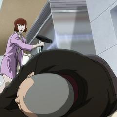 Kate es atacada por su padre.