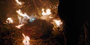 Titans - Dick destruye el traje de Robin