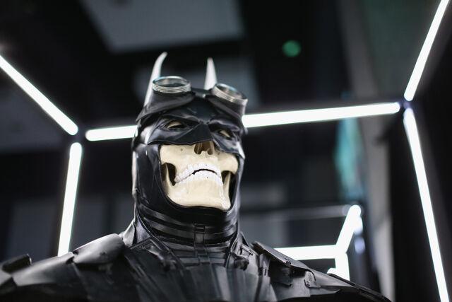 File:SDCC2014-Batman-Cape-Cowl create Art Exhibit 452635938.jpg