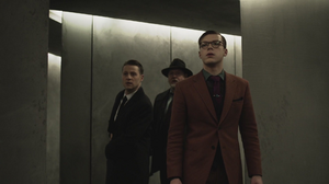 Gordon, Bullock y Jeremiah escapan por el laberinto