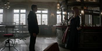 Batwoman - Alice le pide ayuda a Kate