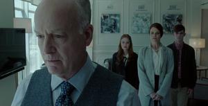 Titans - El Dr. Adamson le da una nueva oportunidad a la Familia Nuclear