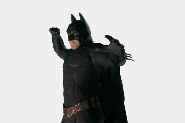 File:Batsbegins001.jpg