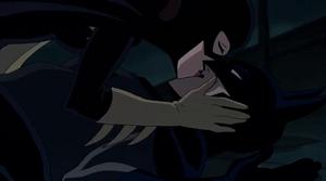 Batgirl besa a Batman