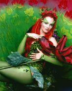 Poison Ivy (Uma Thurman) 12