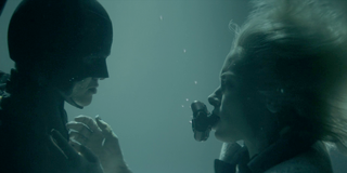 Batwoman - Batwoman rescata a Alice