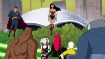 Harley Quinn - La liga de la justicia atrapa a la banda de Harley