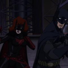 Batman y Batwoman contra los villanos.